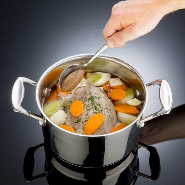 Bouillon de boeuf - Photographe culinaire Strasbourg 67 Alsace